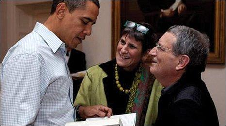 Stan Greenberg: Ποιός είναι ο 'σκοτεινός' επικοινωνιολόγος, που συνοδεύει  τον Μητσοτάκη στη ΔΕΘ; - Europost.gr