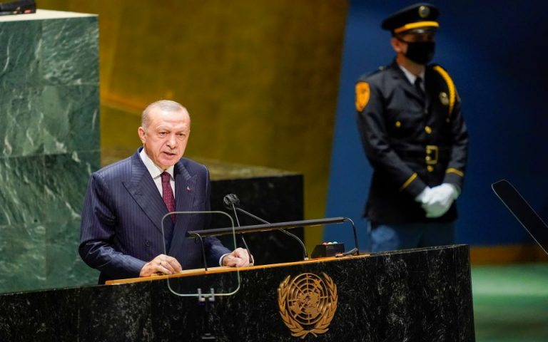 Νέα 'βόμβα' από την Politico: H Τουρκία δωροδοκήθηκε για να υπογράψει τη Συμφωνία του Παρισιού για το Κλίμα